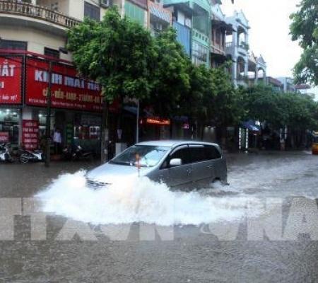 10 điều cần lưu ý khi đi ô tô qua vùng ngập nước